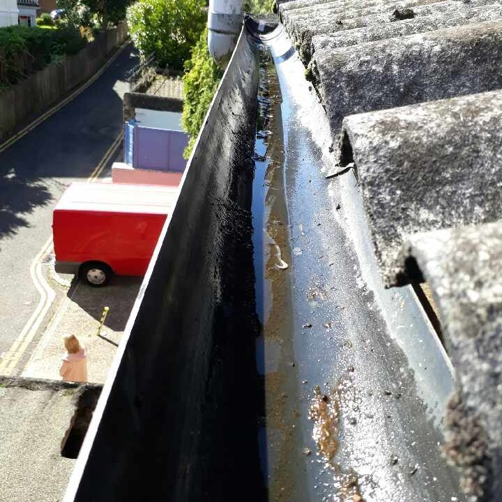 Gutter cleaning and repairs. Gutters that have been cleaned by hand. Clean gutters in Kent, Sussex, Norfolk, Suffolk, Hampshire.