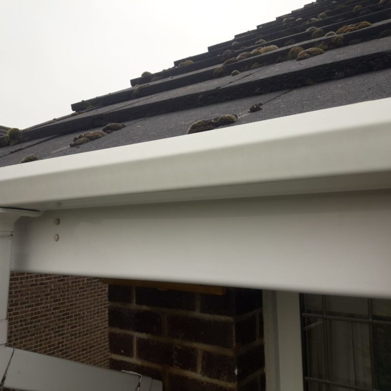 fascia cleaning. clean white upvcs fascia boards